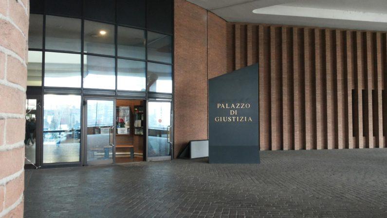 Pretendeva 100 mila euro per lavori non svoltiArrestato a Torino imprenditore del Catanzarese