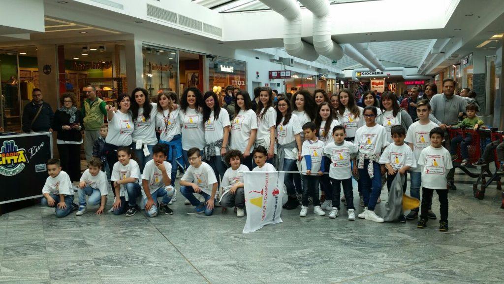 Save the Children, flashmob a RendeI giovani contro la povertà educativa