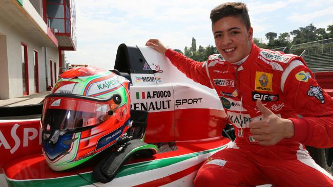 Il pilota calabrese Antonio Fuoco conquistasotto la pioggia la gara di Gp3 a Silverstone