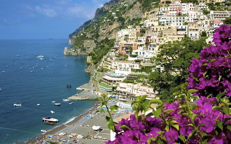 Nubifragio e tromba marina a Capri, sgomberate cinque abitazione per pericolo crollo massi