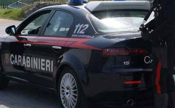 Picchia e minaccia la moglie: arrestato un uomo in provincia di Reggio Calabria