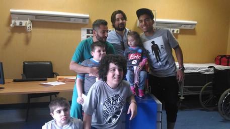 Napoli, Allan visita i ragazzi trapiantati