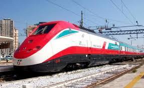"""Trenitalia Campania, cresce il numero di treni con """"pulitore viaggiante"""" a bordo"""