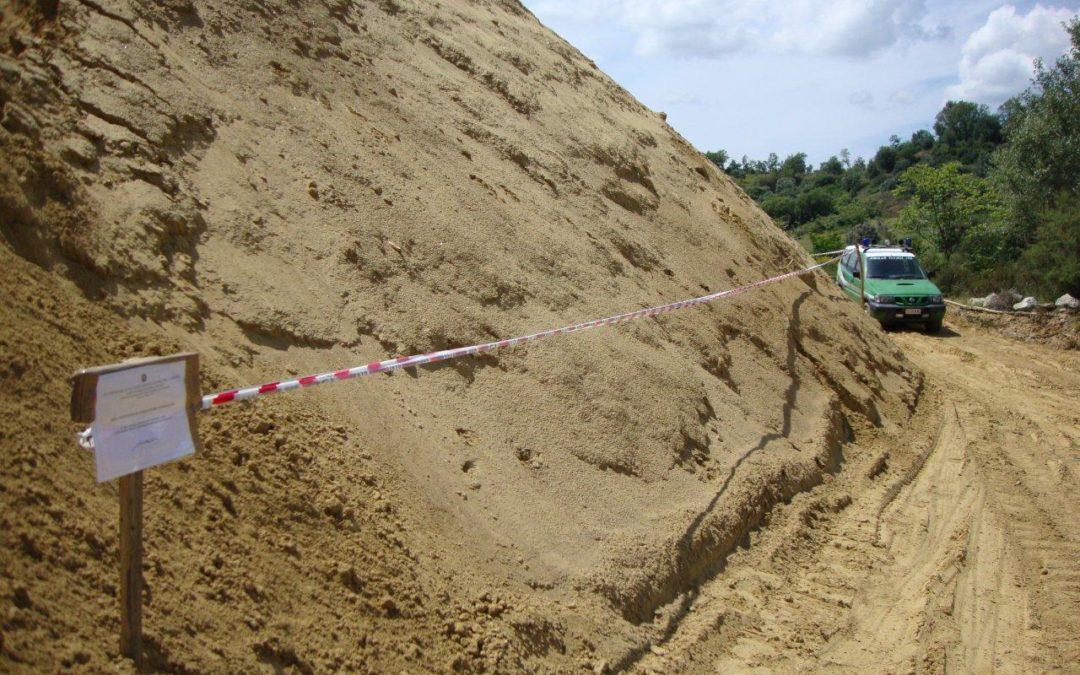 Sbancamento abusivo per realizzare una cava  Sequestrata area nel Cosentino, due denunce
