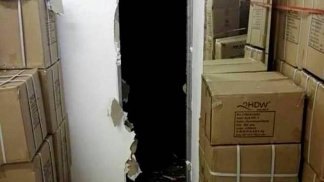 Ladri sfondano il muro di un deposito, messi in fuga dalla Cosmopol