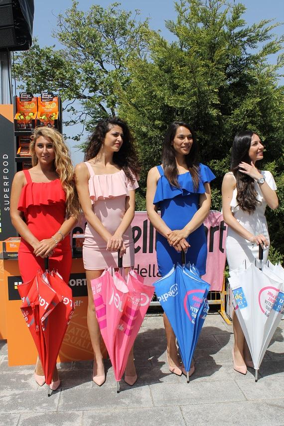 FOTO - Festa di sorrisi e colori alla partenza del Giro d'Italia a Catanzaro