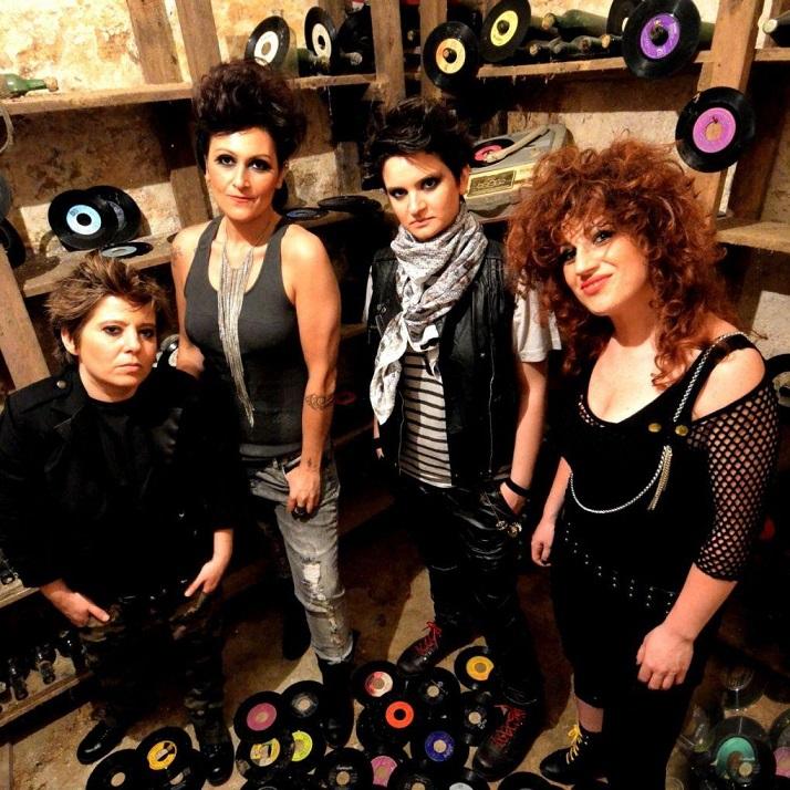Salta un concerto delle Rivoltelle: «Sono lesbiche, non possono cantare a una festa religiosa»