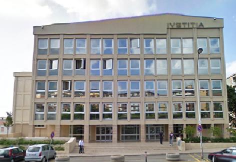 Minaccia la ex ragazza di pubblicare notizie private16enne arrestato per la tentata estorsione di 300 euro