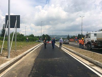 Strada Bonatti: riaperto il tratto dal Moscati al cimitero, ora tocca all'allargamento della rampa d'accesso al Pronto soccorso
