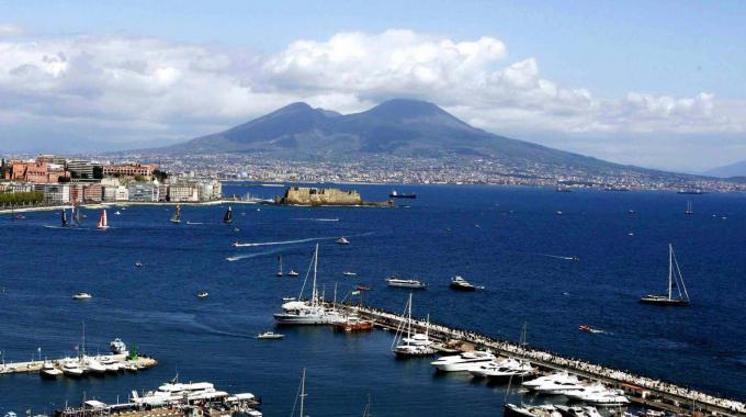 Microspie in mare: parte l'esperimento scientifico, unico al mondo, nelle acque di Napoli