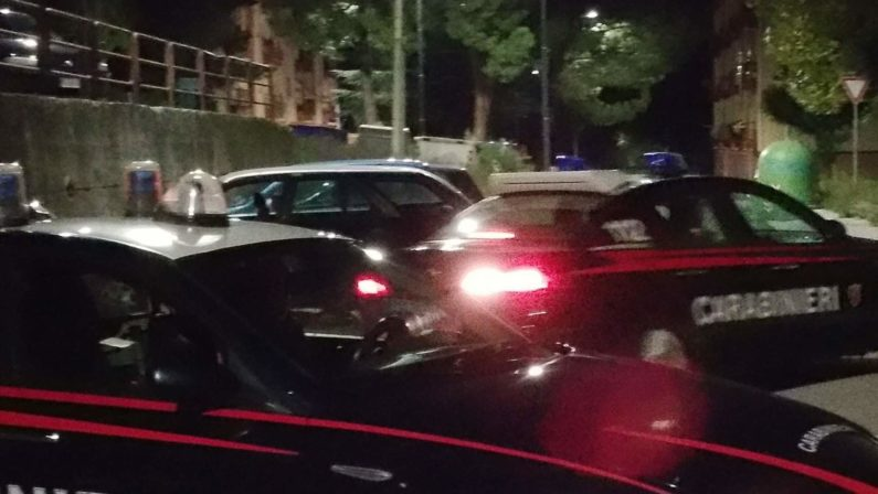 Pomeriggio di paura ad Atripalda, maxi rissa per strada: arrestate 11 persone