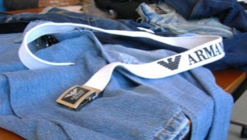 Trasportava capi contraffatti dall'Irpinia alla Puglia: 45enne fermato sulla A16