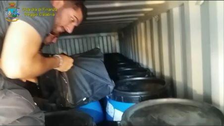 Nel container di carne anche 238 chili di cocainaSequestro nel porto di Gioia Tauro: vale 50 milioni