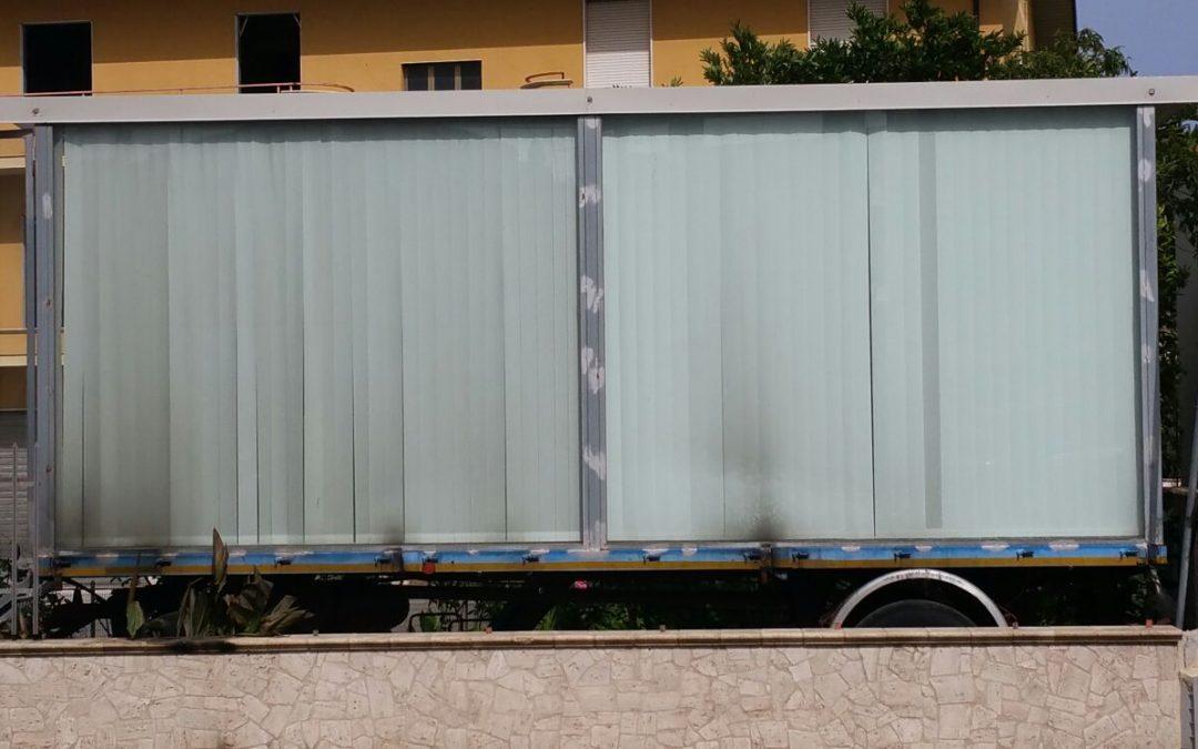 Incendio danneggia un rimorchio nel Vibonese  L'automezzo utilizzato per esporre mobili, indagini
