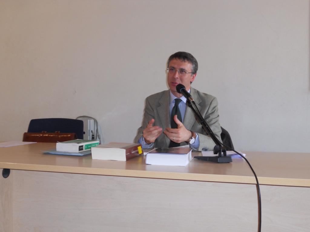 Anticorruzione, fuochi incrociati in Campania. Cantone: basta slogan da De Luca