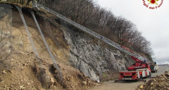 Strada per Montevergine chiusa da oltre un mese, la Regione sollecita la Provincia che assicura: verso la soluzione