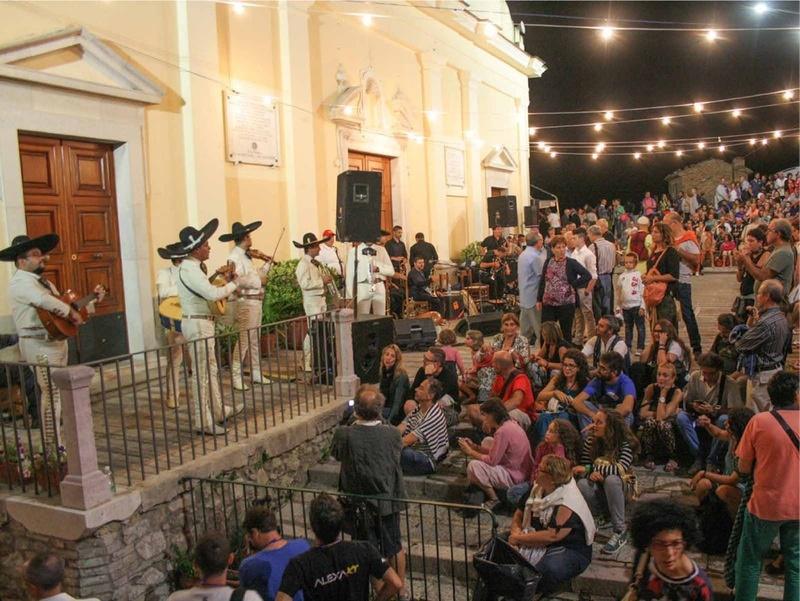 In Irpinia parte il crowdfunding per lo Sponz Fest di Vinicio Caposella: obiettivo, 20mila euro