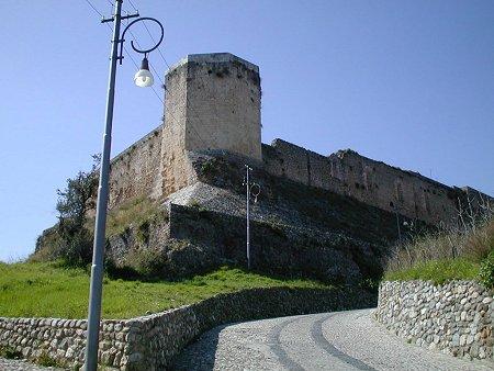 L'arte di scena al Castello Svevo di CosenzaPer l'estate protagonisti musica, lirica e teatro
