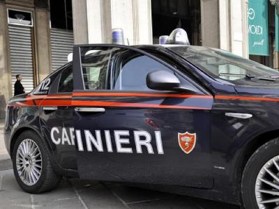 Ruba 42 porte comprese di telaio, arrestato un uomo a Villa San Giovanni