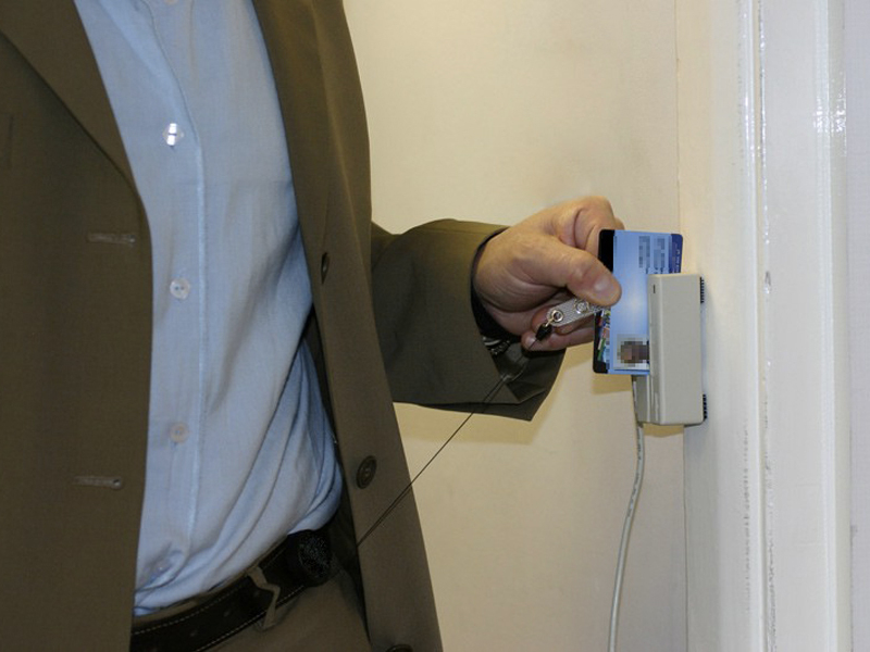 Furbetti del cartellino, via alla nuova legge  Sospesi e licenziati in sole 48 ore