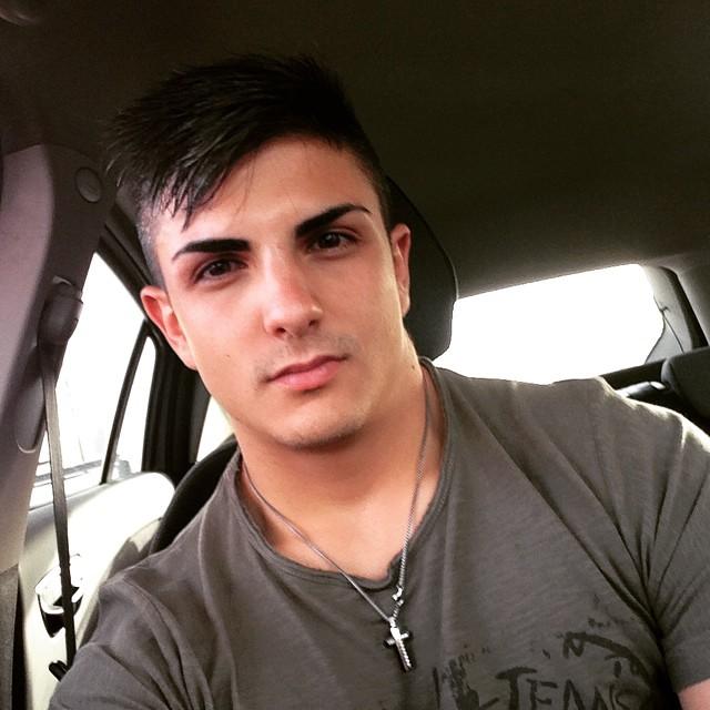 Schianto contro un palo della pubblica illuminazioneTragico incidente a Catanzaro Lido, muore giovane