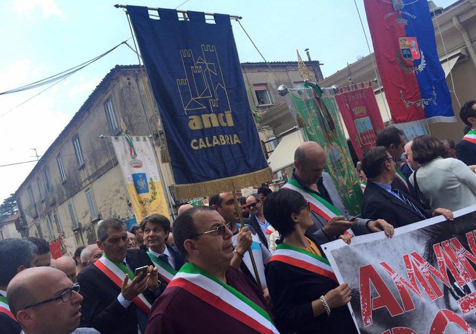 """Amministratori """"sotto tiro"""" in marcia a Polistena  Sindaci d'Italia contro i condizionamenti mafiosi"""