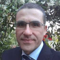 Un medico lucano per BerlusconiSarà De Bonis a operarlo al cuore
