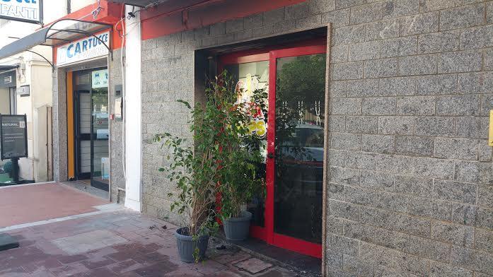 Pizzeria distrutta da un incendio in pieno centro a Vibo Valentia