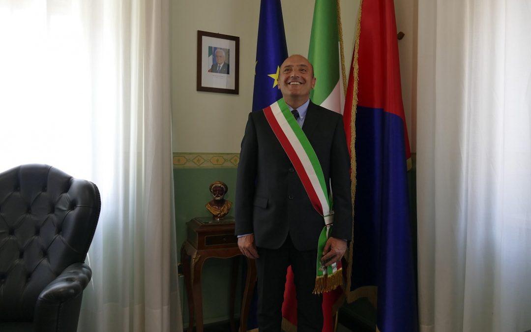 Crotone, grave minaccia al sindaco Pugliese su Facebook  «Sindaco ti auguro la stessa fine di Falcone e Borsellino»