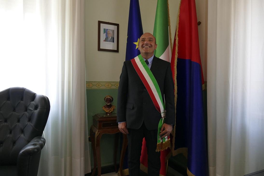 Crotone, grave minaccia al sindaco Pugliese su Facebook«Sindaco ti auguro la stessa fine di Falcone e Borsellino»