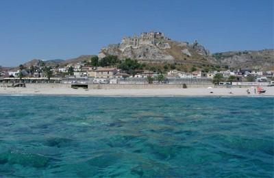 Otto spiagge calabresi premiate con le vele di Legambiente e Touring club: il top è Roccella