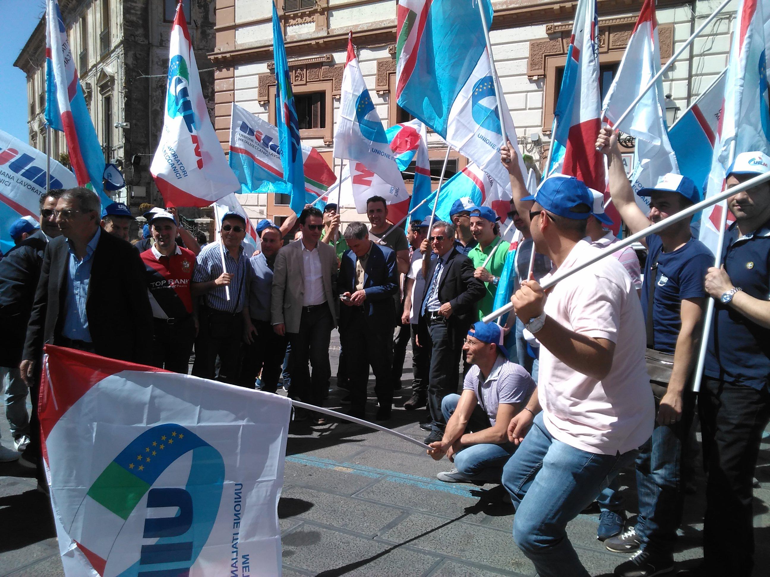 Metalmeccanici calabresi in piazza a Catanzaro  Appelli per maggiori investimenti sullo sviluppo