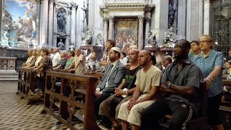 Rouen, musulmani in Duomo Napoli a manifestare per la pace