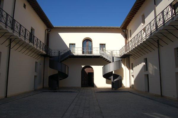 L'Università di Catanzaro trova posto in centro  Una facoltà avrà sede nel complesso San Giovanni