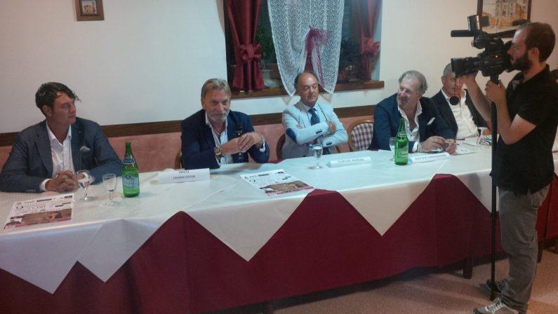 """""""Bonito Fashion Night"""", sul palco Miriana Trevisan, Enzo Costanza e Yuri D'Agostino"""