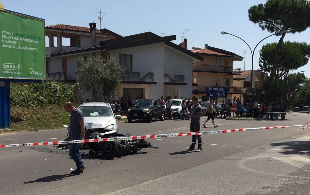 Incidente stradale nel Vibonese, due feriti gravi  Scontro tra uno scooter e un'automobile