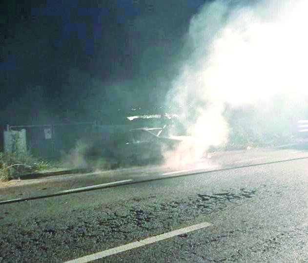 Dramma nel Cosentino, auto si incendia dopo un incidenteMuore tra le fiamme un 22enne, un altro giovane ferito