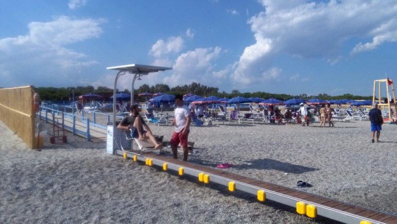 Una vacanza oltre ogni barriera, a Catanzaro primo lido senza limiti e problemi per i disabili