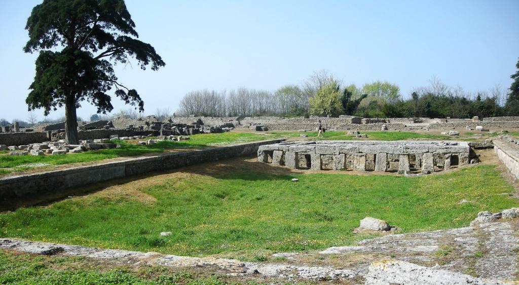 Il Parco Archeologico di Paestum ospita in esclusiva la Performance di scena e maschere LÓGOI I