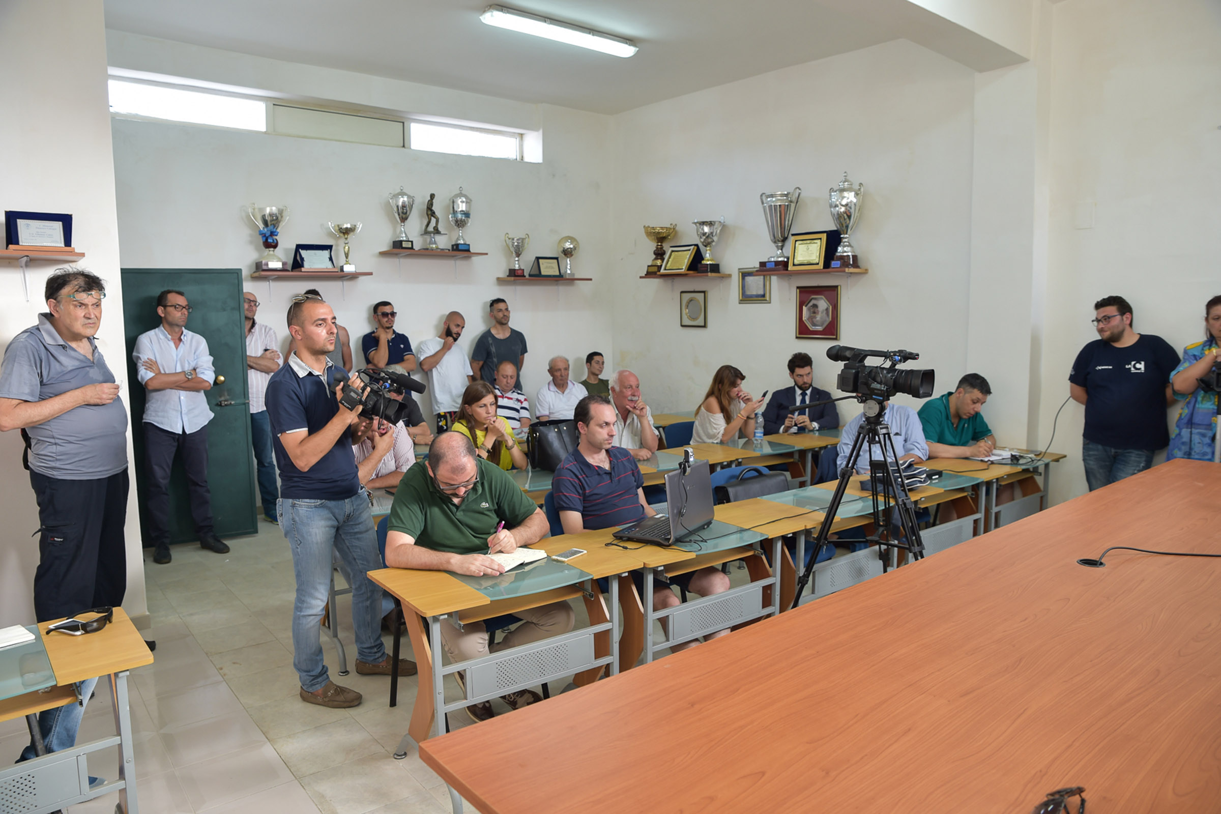 FOTO - Vibonese, la presentazione del tecnico Costantino