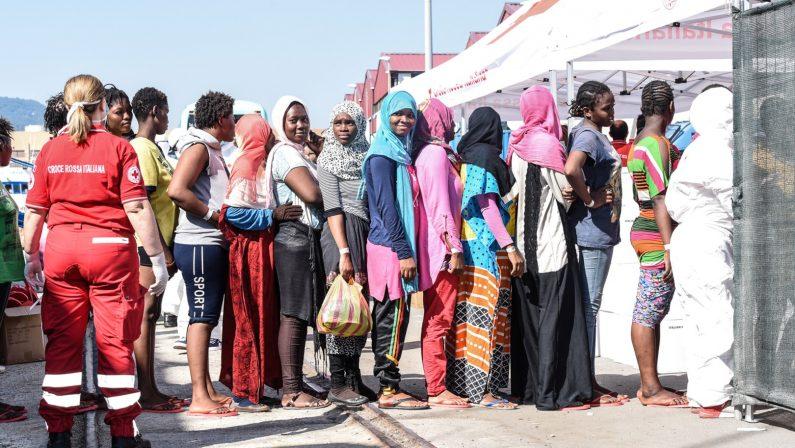 Emergenza senza fine, soccorsi migliaia di migrantiSbarchi a Reggio e Vibo, barcone giunto nel Crotonese
