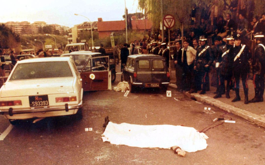 Caso Aldo Moro, un boss della 'ndrangheta presente  sul luogo del sequestro: la svolta in una fotografia