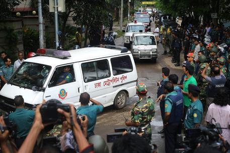 Attentato Bangladesh, moglie di una vittima casertana sotto choc