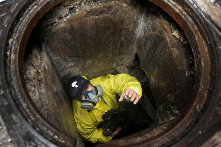 Banda del buco scoperta a Napoli, lavori per sei furti