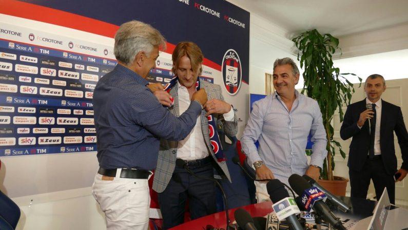 Calcio, il primo giorno di Davide Nicola con il Crotone«Entusiasmo alle stelle, la salvezza è una favola»