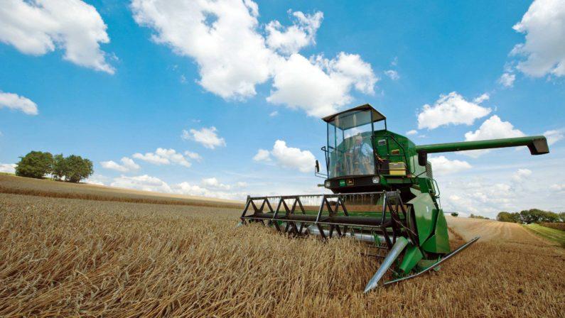 """""""Guerra del grano"""", agricoltori protestano a Roma  Delegazioni da Calabria, Campania e Basilicata"""