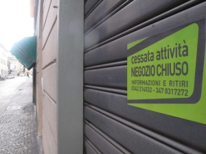 La crisi affossa i commercianti nel PotentinoI dati critici di Confesercenti: chiusi 3.317 esercizi