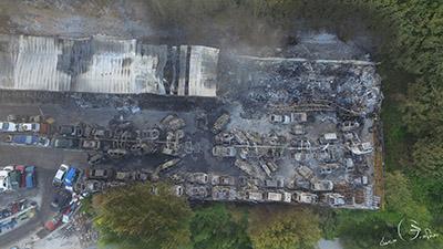 Incendio ad Atripalda, le lacrime del proprietario dell'autorimessa. I Carabinieri fermano un 50enne