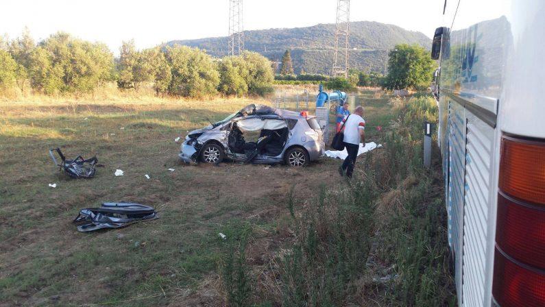 Auto contro autobus: donna muore sul colpo in un incidente tra le province di Vibo e Catanzaro