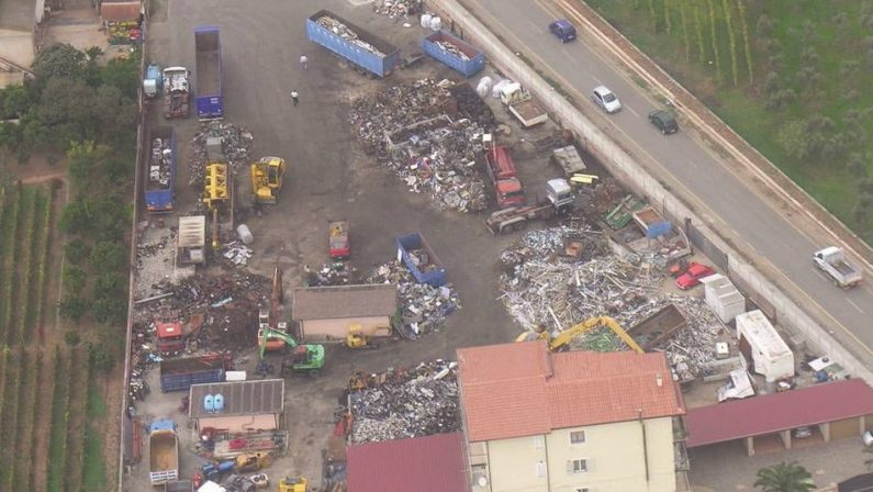 Traffico di rifiuti e materiali ferrosi a LameziaDodici condanne e risarcimento a parti civili